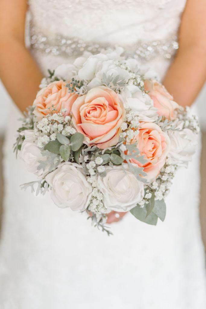 Bouquet Sposa Per Abito Avorio.Come Scegliere Il Bouquet In Base All Abito Da Sposa E Allo Stile